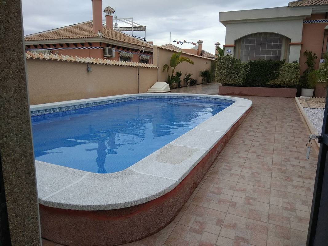 Pool Re-Grout in La Marina